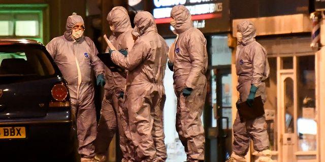 Polisens tekniker arbetar på brottsplatsen. Alberto Pezzali / TT NYHETSBYRÅN