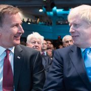 Jeremy Hunt och Boris Johnson. STEFAN ROUSSEAU / POOL