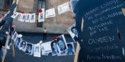 Anhöriga till försvunna personer demonstrerar. Marco Ugarte / TT NYHETSBYRÅN