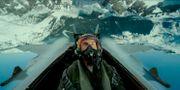 """Tom Cruise i sitt flygplan i kultrullen """"Top Gun"""". TT NYHETSBYRÅN"""