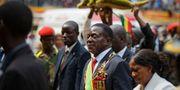 Emmerson Mnangagwa i mitten. Ben Curtis / TT / NTB Scanpix