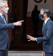 Storbritanniens finansminister Rishi Sunak och Frankrikes dito Bruno Le Maire inför G7-mötets första dag i London i fredags.  Steve Reigate / TT NYHETSBYRÅN