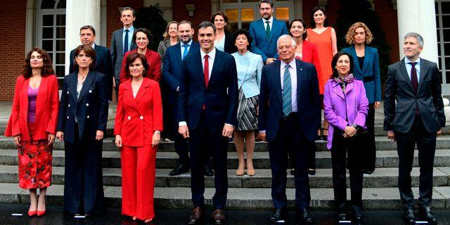 Spaniens nya regering. JAVIER SORIANO / AFP