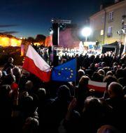 Tiotusentals människor demonstrerade. Czarek Sokolowski / TT NYHETSBYRÅN
