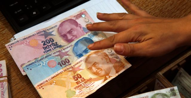 Turkisk lira. Lefteris Pitarakis / TT NYHETSBYRÅN