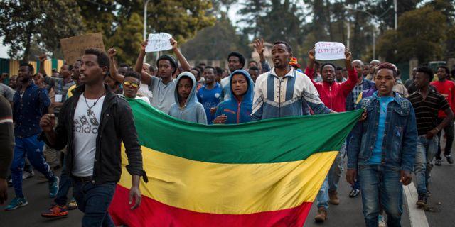Demonstrationer på Addis Abebas gator efter att 23 personer dött i helgen. Mulugeta Ayene / TT NYHETSBYRÅN/ NTB Scanpix