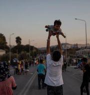 Flyktingar i Grekland. Petros Giannakouris / TT NYHETSBYRÅN