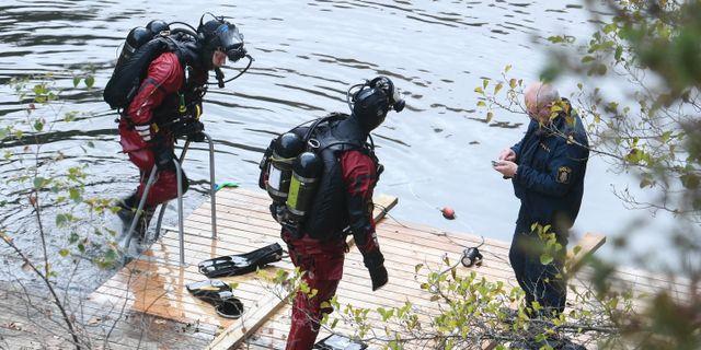 Polisens dykare vid sökandet efter Lelle Hildebrand, ett av de mest uppmärksammade kalla fallen i Syd. Johan Nilsson/TT / TT NYHETSBYRÅN