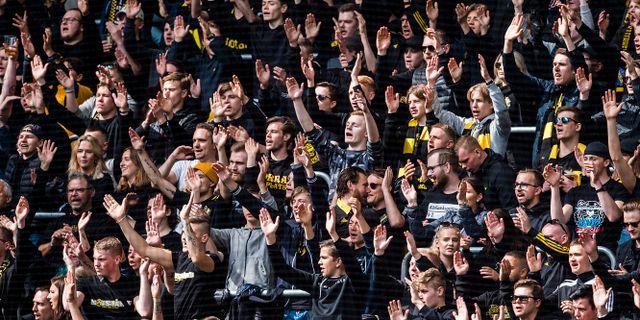 AIK-supportrar på derbyt. SIMON HASTEGÅRD / BILDBYRÅN
