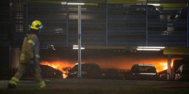 Branden i parkeringshuset på Sola flygplats i Stavanger. Carina Johansen / TT NYHETSBYRÅN