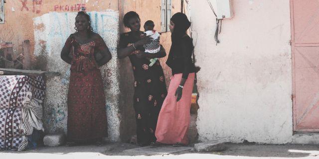 Bild från Senegal. Kvinnorna på bilden har inget med texten att göra.  Francesca Marconi