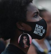 Debatten om Facebooks hantering av hatiska inlägg har blossat upp igen i samband med demonstrationerna efter mordet på Geroge Floyd i USA.  TT