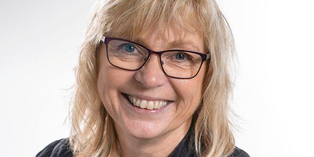 Eva Nypelius. KARL MELANDER