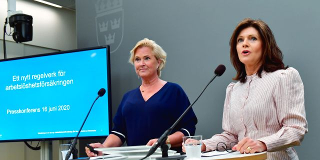 Utredaren Maria Hemström Hemmingsson och arbetsmarknadsminister Eva Nordmark (S). Jonas Ekströmer/TT / TT NYHETSBYRÅN