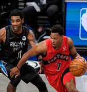 Toronto Raptors Kyle Lowry  till vänster och Brooklyn Nets Kyrie Irving till höger.  Frank Franklin II / TT NYHETSBYRÅN