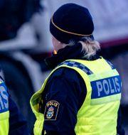 Poliser vid en bilolycka. Johan Nilsson/TT / TT NYHETSBYRÅN