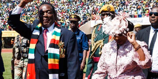 Mnangagwa i samband med att han svors in på söndagen. JEKESAI NJIKIZANA / AFP