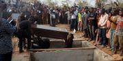Massbegravning av 70 personer som misstänks ha dödats av herdar från folkgruppen Fulani. AP / TT / NTB Scanpix