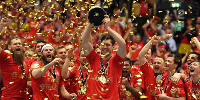 Danmark körde över Norge i handbollsfinalen – vinner historiskt första  VM-guld 02b9504d92787