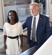 Liberalernas partiledare Nyamko Sabuni och Johan Pehrson. Jessica Gow/TT / TT NYHETSBYRÅN