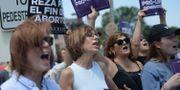 Demonstranter som protesterar till stöd för hårda abortlagar.  Michael B. Thomas / GETTY IMAGES NORTH AMERICA