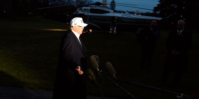Donald Trump anländer till Vita huset med helikopter. MIKE THEILER / TT NYHETSBYRÅN