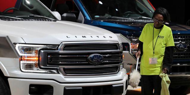 Arkivbild: Fordmodell på bilmässa i Detroit, Michigan, förra vintern. Brendan McDermid / TT NYHETSBYRÅN