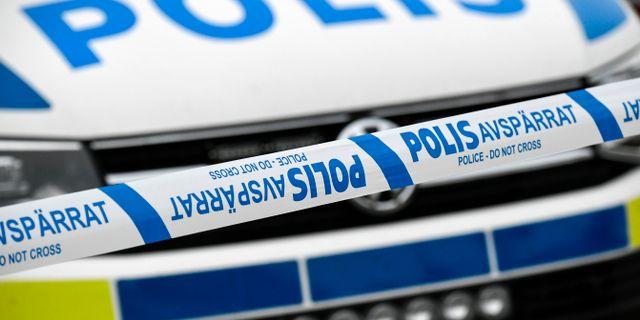 Fyra skadades nar polisbilar krockade