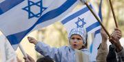Barn i demonstrationståg mot antisemitism i Paris. FRANCOIS MORI / TT NYHETSBYRÅN