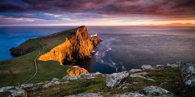 Neist Point Lighthouse ser mer ut som ett slott än en fyr. Wikicommons