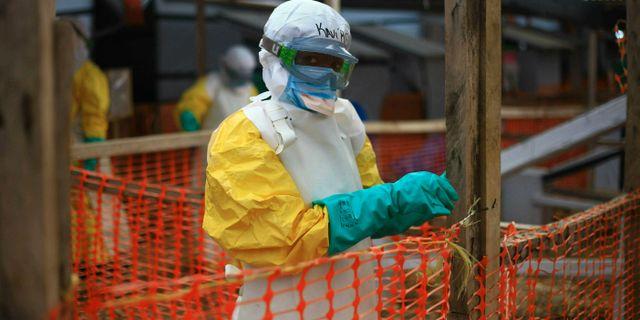 Sjukvårdare på en ebolaklinik. Arkivbild. Al-hadji Kudra Maliro / TT NYHETSBYRÅN