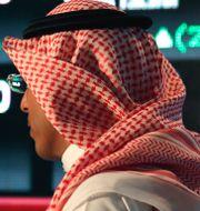 Illustrationsbild: Besökare på börsen Tadawul i Riyad, Saudiarabien. Hasan Jamali / TT NYHETSBYRÅN