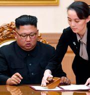 Kim Jong-Un med systern KimYo-Jung. Arkivbild från 2018. TT NYHETSBYRÅN