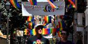 Distriktet Chueca i Madrid dekorerat inför World Pride. GERARD JULIEN / AFP