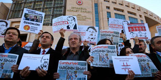 Hoghus rasade samman i turkiet