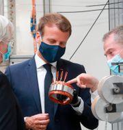Macron på en fransk bilfabrik.  Ludovic Marin / TT NYHETSBYRÅN