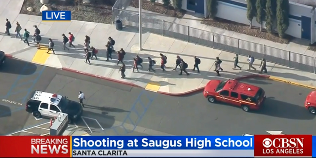 Saugus High School. CBSN/Skärmdump