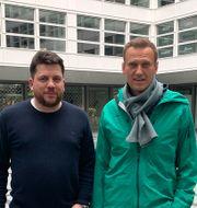 Leonid Volkov och Aleksej Navalnyj. TT NYHETSBYRÅN