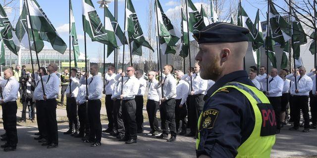 Nazistiska Nordiska motståndsrörelsen demonstrerar i Falun på första maj 2017. Ulf Palm/TT / TT NYHETSBYRÅN