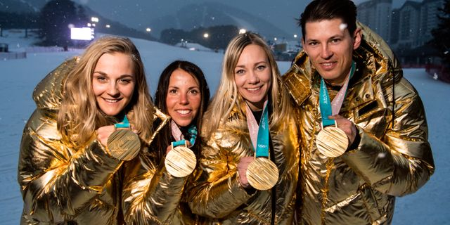 Stina Nilsson, Charlotte Kalla, Frida Hansdotter and Andre Myhrer med sina OS-guld. PETTER ARVIDSON / BILDBYR N