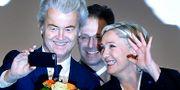 Geert Wilders tillsammans med Marine Le Pen, ledare för Nationella Fronten i Frankrike. Michael Probst / TT / NTB Scanpix