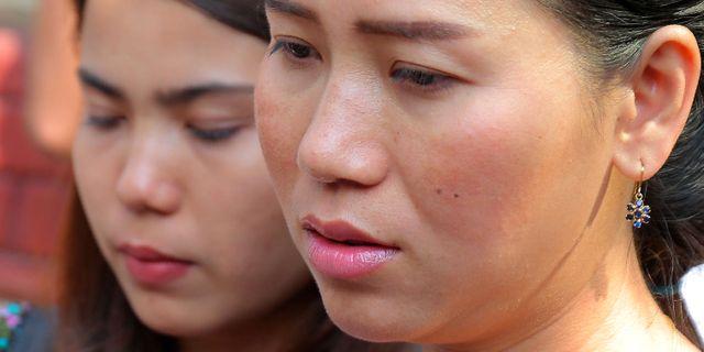 Chit Su Win, till vänster, och Panei Mon, till höger. SAI AUNG MAIN / AFP