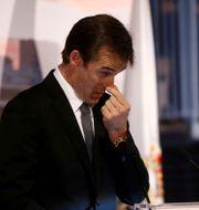 Lopetegui i tårar på Real Madrids presskonferens.  JUAN MEDINA / TT NYHETSBYRÅN