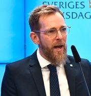 Jakob Forssmed och Mats Persson, ekonomisk-politiska talepersoner för KD och L.  TT