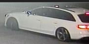 Här är den vita bilen som polisen har bilder på.  Polisen