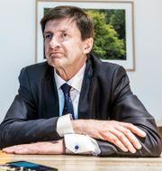 Swedbanks sparkade vd Birgitte Bonnesen och nuvarande ordföranden Lars Idermark.  Lars Pehrson/SvD/TT / TT NYHETSBYRÅN