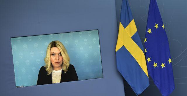 Socialminister Lena Hallengren.  Pontus Lundahl/TT / TT NYHETSBYRÅN