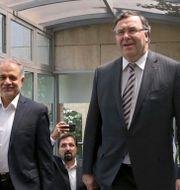 Patrick Pouyanné, vd för Total, till höger.  Vahid Salemi / TT NYHETSBYRÅN