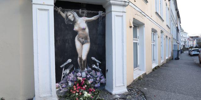En väggmålning av Norges nyligen avgångna justitieminister Sylvi Listhaug, Fremskrittspartiet, har väckt debatt i landet.  Breistein, Emil Weatherhead / TT NYHETSBYRÅN