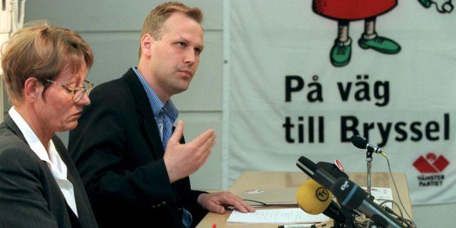 Jonas Sjöstedt inför EU-valet 1999.  Janerik Henriksson/TT / TT NYHETSBYRÅN